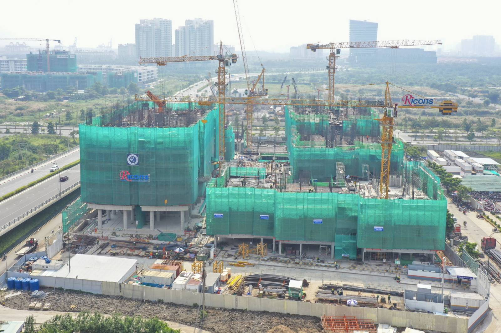 tiến độ xây dựng the river thu thiem Quận 2 tháng 12