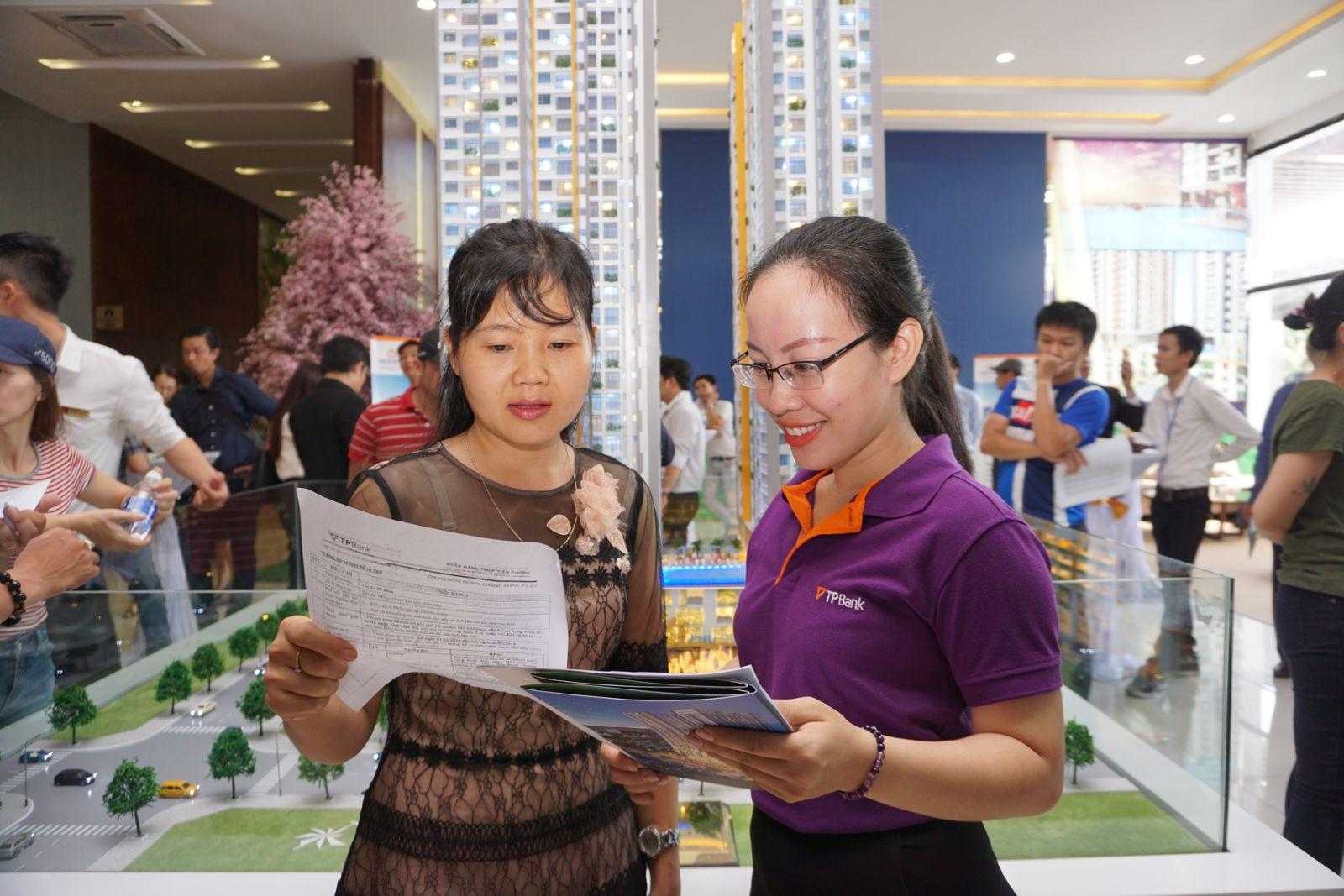 khách hàng chọn mua căn hộ phu dong premier