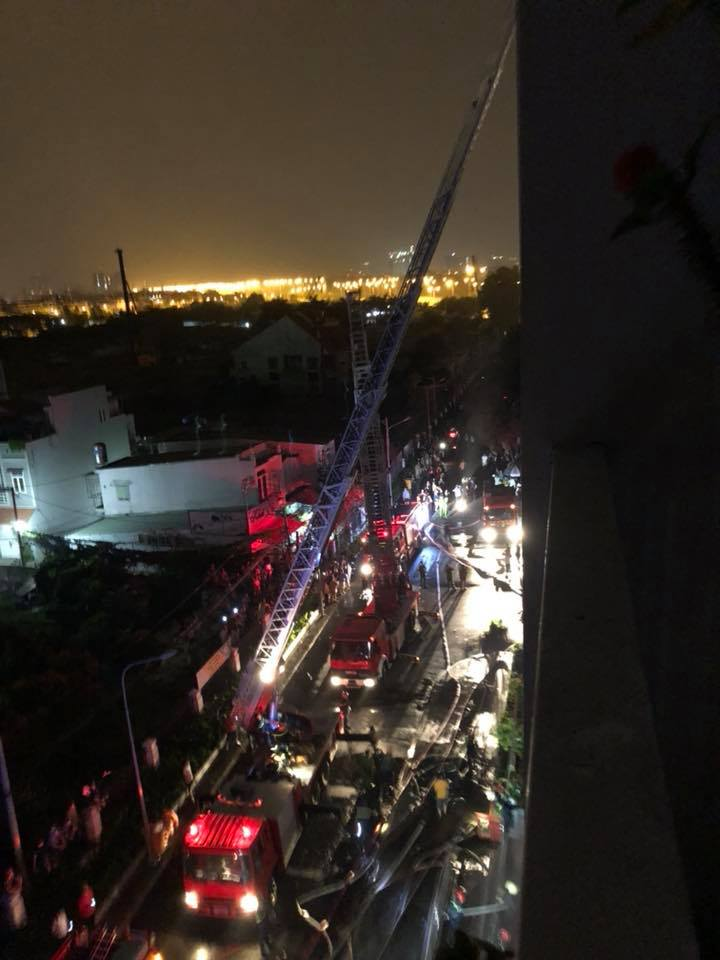 TP.HCM: Cháy chung cư cao cấp, 13 người chết - 4